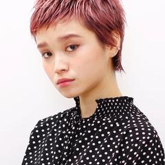 モード ショート ウェットヘア ベビーバング ヘアスタイルや髪型の写真・画像