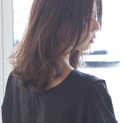 アッシュ 大人女子 グラデーションカラー ナチュラル ヘアスタイルや髪型の写真・画像