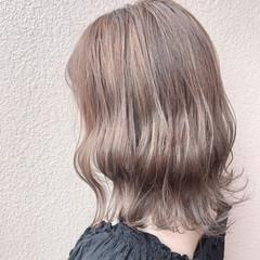 アッシュベージュ ボブ ミルクティーベージュ ナチュラル ヘアスタイルや髪型の写真・画像