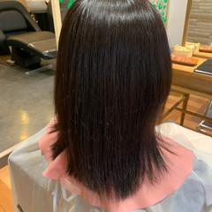 艶カラー ミディアム 縮毛矯正 ナチュラル ヘアスタイルや髪型の写真・画像
