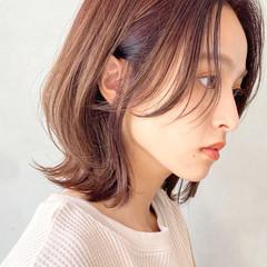 大人かわいい 前髪なし ナチュラル ミディアム ヘアスタイルや髪型の写真・画像