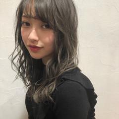 ハイライト モード ミディアム 透明感 ヘアスタイルや髪型の写真・画像