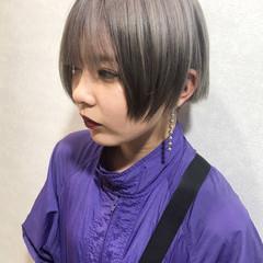 外国人風カラー ショート カジュアル ミルクティー ヘアスタイルや髪型の写真・画像