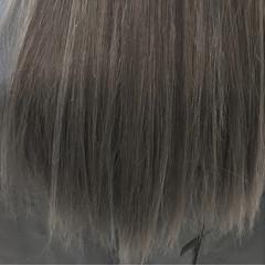 ロング アッシュグレージュ アッシュ ハイライト ヘアスタイルや髪型の写真・画像