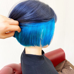 イヤリングカラー ターコイズブルー ボブ ターコイズ ヘアスタイルや髪型の写真・画像