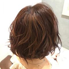 ハイライト ナチュラル ゆるふわ フェミニン ヘアスタイルや髪型の写真・画像