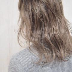 ハイライト 外国人風カラー 大人ミディアム セミロング ヘアスタイルや髪型の写真・画像