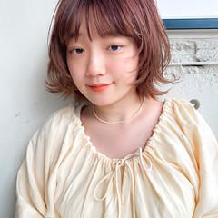 オレンジベージュ アプリコットオレンジ チェリーレッド ナチュラル ヘアスタイルや髪型の写真・画像