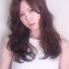 フェミニン アッシュ 大人かわいい ナチュラル ヘアスタイルや髪型の写真・画像