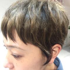 ローライト ストリート ダブルカラー アッシュ ヘアスタイルや髪型の写真・画像