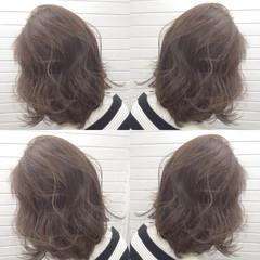 色気 アッシュグレージュ ボブ ナチュラル ヘアスタイルや髪型の写真・画像