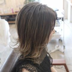 デザインカラー 外ハネ 極細ハイライト 透明感カラー ヘアスタイルや髪型の写真・画像