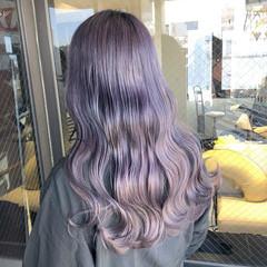 ラベンダーアッシュ ラベンダーグレージュ セミロング ラベンダーグレー ヘアスタイルや髪型の写真・画像