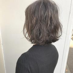 暗髪 外国人風 外ハネ ボブ ヘアスタイルや髪型の写真・画像