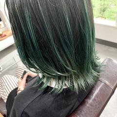 グリーン バレイヤージュ グラデーションカラー コントラストハイライト ヘアスタイルや髪型の写真・画像