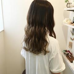秋 バレイヤージュ グラデーションカラー アッシュ ヘアスタイルや髪型の写真・画像