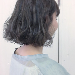 ブルーアッシュ モード グレージュ ボブ ヘアスタイルや髪型の写真・画像