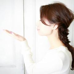 ショート ガーリー フィッシュボーン フェミニン ヘアスタイルや髪型の写真・画像