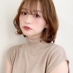 ミディアム アンニュイほつれヘア ナチュラル 髪質改善トリートメント ヘアスタイルや髪型の写真・画像