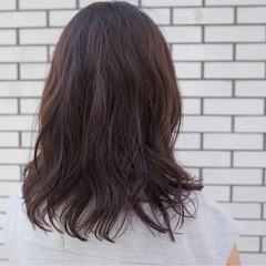 イルミナカラー ナチュラル ゆるふわ ミディアム ヘアスタイルや髪型の写真・画像