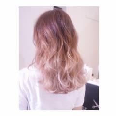 グラデーションカラー ストリート ガーリー セミロング ヘアスタイルや髪型の写真・画像