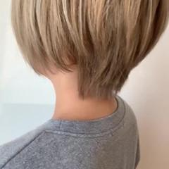 ダブルカラー 大人可愛い ショートヘア フェミニン ヘアスタイルや髪型の写真・画像