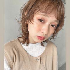 ウルフレイヤー シアーベージュ ストリート ハイトーンボブ ヘアスタイルや髪型の写真・画像