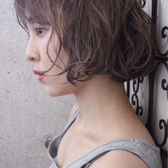 秋 アンニュイ 色気 ウェーブ ヘアスタイルや髪型の写真・画像