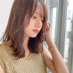 レイヤーカット 小顔ヘア インナーカラー ナチュラル ヘアスタイルや髪型の写真・画像