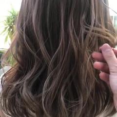 ヘアアレンジ セミロング 大人可愛い ブリーチなし ヘアスタイルや髪型の写真・画像