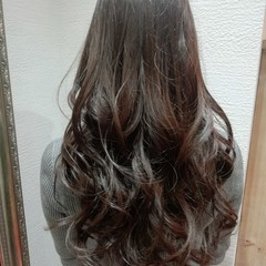 イルミナカラー デート パーマ ゆるふわ ヘアスタイルや髪型の写真・画像