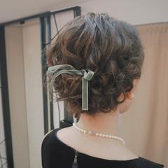 編み込み 結婚式 ミディアム フェミニン ヘアスタイルや髪型の写真・画像