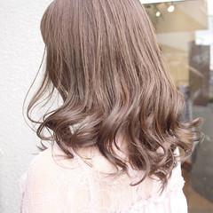 外国人風カラー グレージュ ナチュラル ミディアム ヘアスタイルや髪型の写真・画像