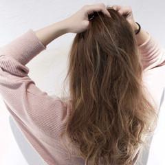 小顔 こなれ感 エレガント 上品 ヘアスタイルや髪型の写真・画像
