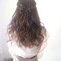 ヘアセット 編み込みヘア フェミニン 編み込み ヘアスタイルや髪型の写真・画像