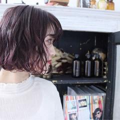 ボブ ピンクアッシュ 外国人風 レッド ヘアスタイルや髪型の写真・画像
