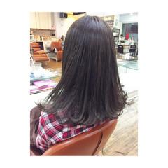 ガーリー セミロング アッシュ グレー ヘアスタイルや髪型の写真・画像
