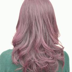 ガーリー ダブルカラー アッシュ パープル ヘアスタイルや髪型の写真・画像