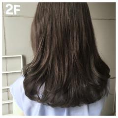 オリーブグレージュ オリーブアッシュ ミントアッシュ ロブ ヘアスタイルや髪型の写真・画像
