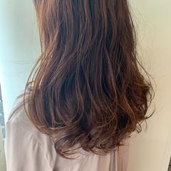 ゆるふわパーマ ナチュラル 毛先パーマ セミロング ヘアスタイルや髪型の写真・画像