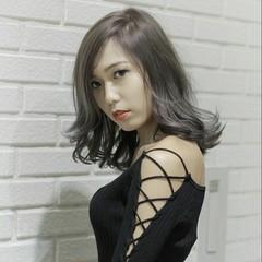 セミロング 透明感 モード 外国人風 ヘアスタイルや髪型の写真・画像