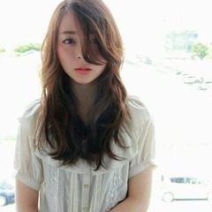 ガーリー 大人かわいい セミロング フェミニン ヘアスタイルや髪型の写真・画像