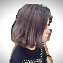 ブラウンベージュ アッシュ ボブ ハイトーン ヘアスタイルや髪型の写真・画像