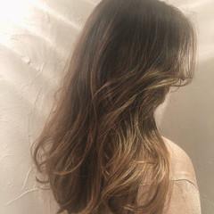 エレガント アウトドア バレイヤージュ ロング ヘアスタイルや髪型の写真・画像