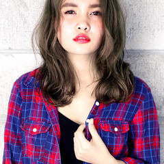 外国人風 グラデーションカラー 簡単 セミロング ヘアスタイルや髪型の写真・画像