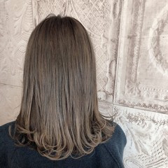 グレージュ 大人カジュアル フェミニン セミロング ヘアスタイルや髪型の写真・画像