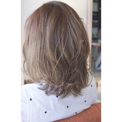 パーマ ミディアム 色気 斜め前髪 ヘアスタイルや髪型の写真・画像