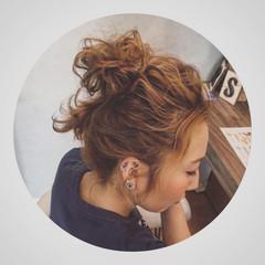 ヘアアレンジ セミロング お団子 アップスタイル ヘアスタイルや髪型の写真・画像