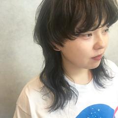 グレージュ ミディアム マッシュ インナーカラー ヘアスタイルや髪型の写真・画像