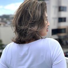 ナチュラル シルクベージュ 大人ハイライト 極細ハイライト ヘアスタイルや髪型の写真・画像